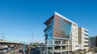 Designing smart facades