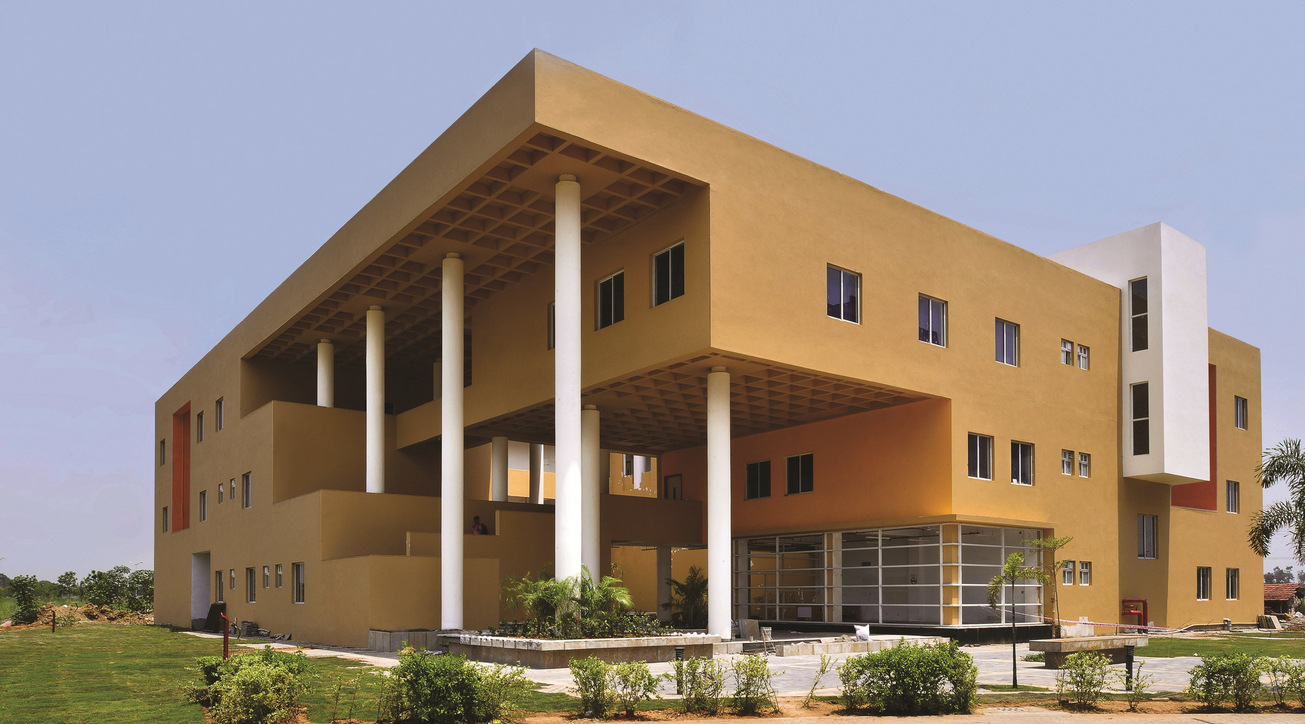 IQ City Nursing College, West Bengal, Abin Chaudhuri, Abin Design Studio, Institutional design, Passive architecture, Natural ventilation, Daylight, Introverted planning